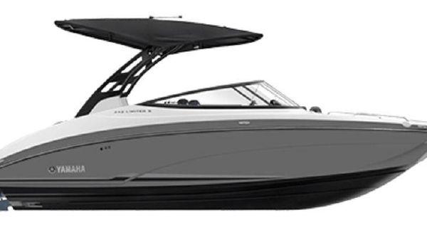 Yamaha Boats 242 LTD. S E SERIES