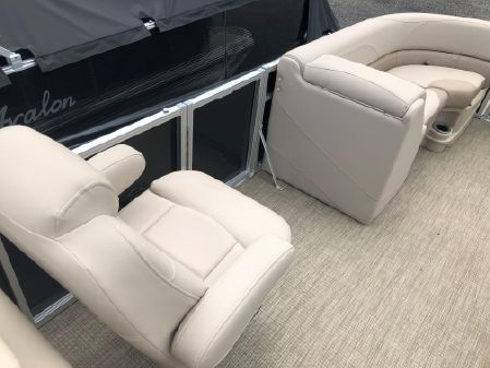 Avalon .LSZ 2485 REAR LOUNGE -PT image