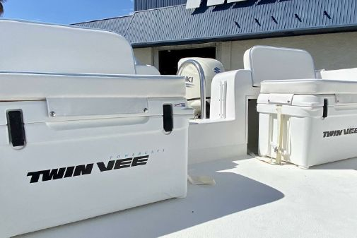 Twin Vee 260 Pro image