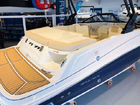 Bayliner VR5 Bowrider image