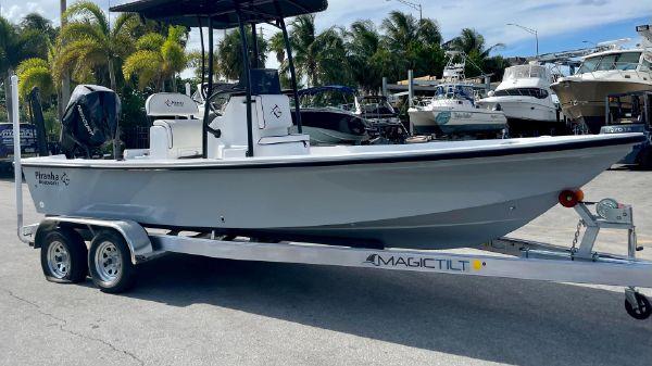 Piranha Casador B2200