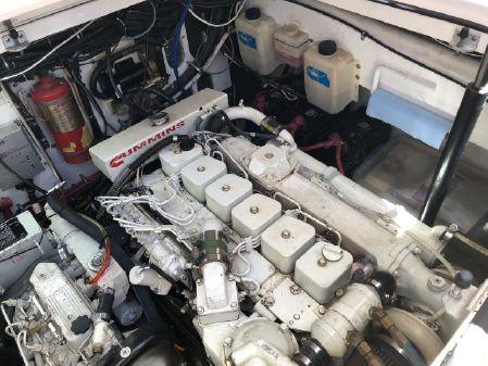 Pursuit 3400 Offshore image