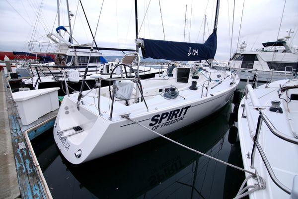 J Boats J/124 - main image