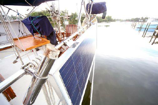 Merritt Tropical Rover image