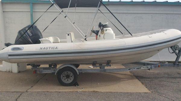 Nautica 19 Flush Deck