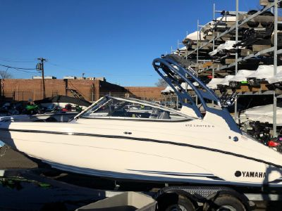 2018 Yamaha Boats<span>212 Limited S</span>