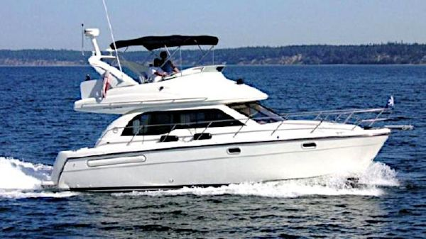 Bayliner 3488 Command Bridge Motoryacht