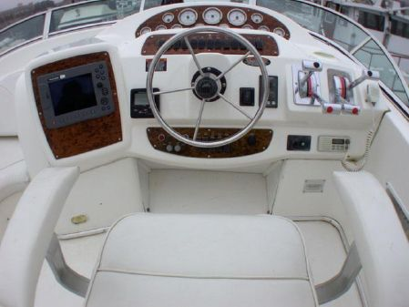 Bayliner 3488 Command Bridge Motoryacht image