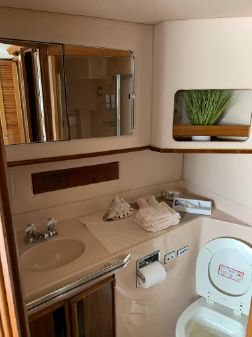Sea Ray 410 Aft Cabin image