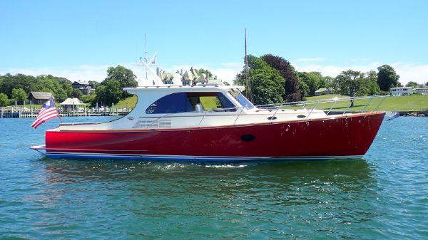 Hinckley Talaria 43 Motoryacht