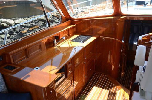 Hinckley Talaria 43 Motoryacht image
