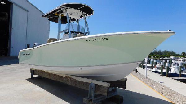 Sea Hunt 225
