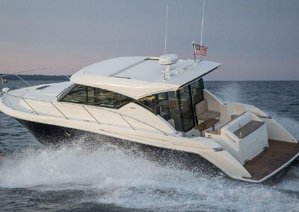 Tiara Yachts C39 Coupe image