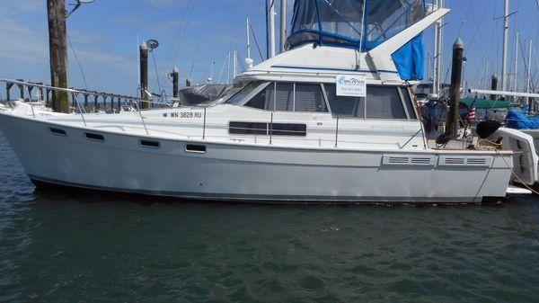 Bayliner 3870 Motor Yacht