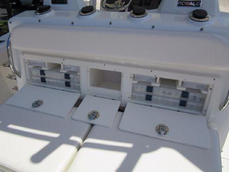 Robalo R300 Center Console image