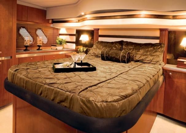 2009 Cruisers Yachts Purchase Broker
