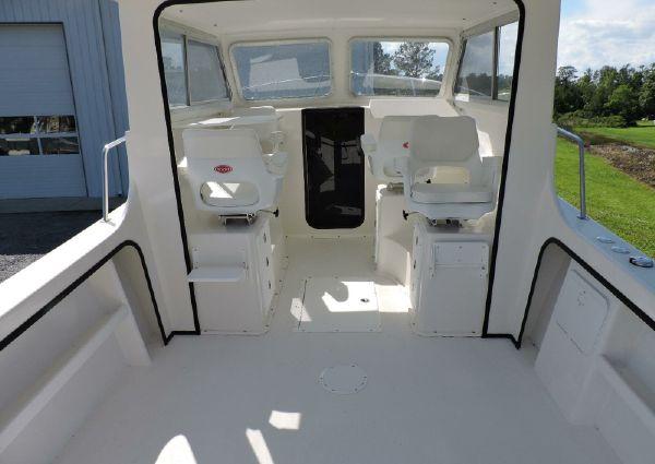 May-Craft 2700 Cabin image