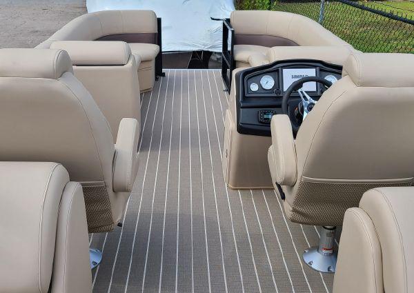 Bentley Pontoons 243 Navigator image