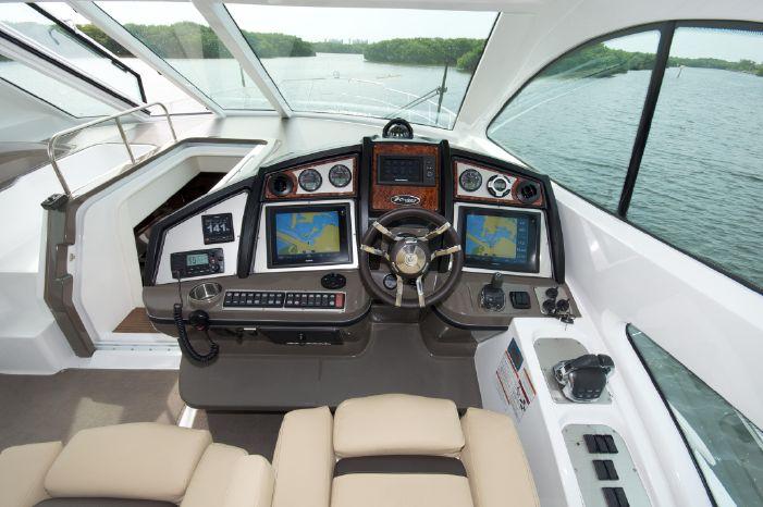 2014 Cruisers Yachts Brokerage Massachusetts