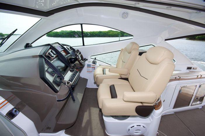 2014 Cruisers Yachts BoatsalesListing Broker
