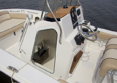Sea Fox 186 Commander image
