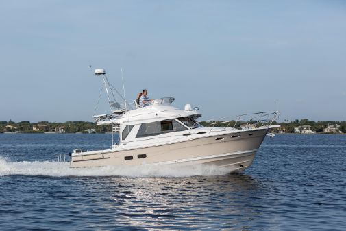 Cutwater C-30 CB Luxury Edition image