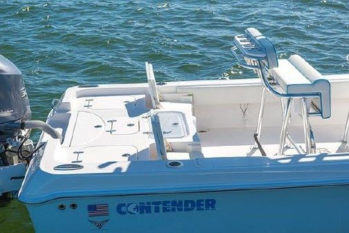 Contender 25 Bay image