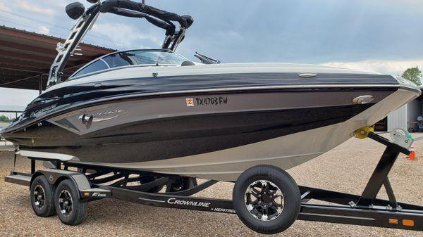 Crownline E255 Surf