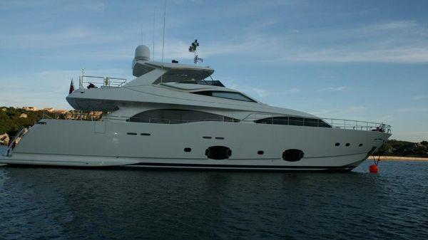 Ferretti Yachts Custom Line CL 97