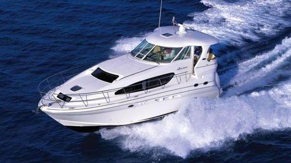 Sea Ray Motor Yacht Manufacturer Stock Photo