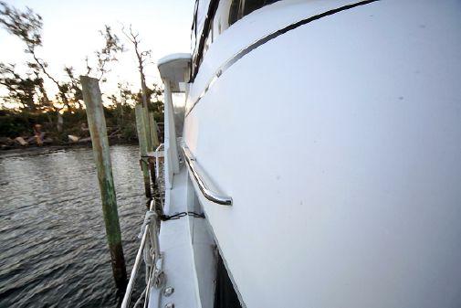 Carver 404 Cockpit Motor Yacht image