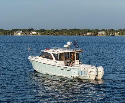 Cutwater 30 Luxury Edition image