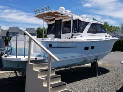 2019 Cutwater<span>30 Luxury Edition</span>
