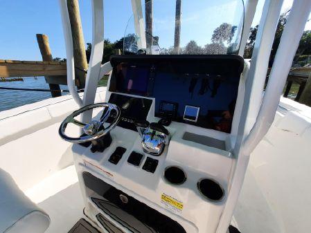 Sea Pro 259 DLX Center Console image