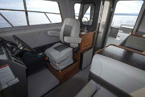 KingFisher 2525 Offshore image