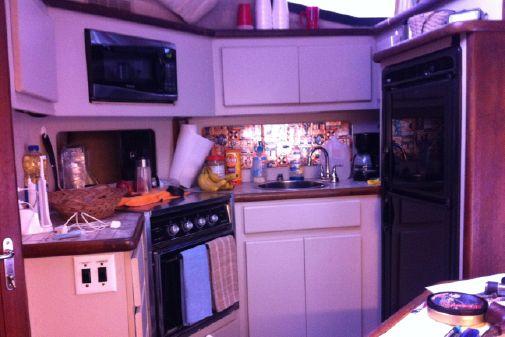 Carver 3607 Aft Cabin image