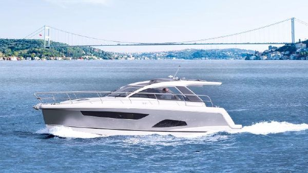 Sealine S330 Manufacturer Provided Image: Sealine S330 Side Profile