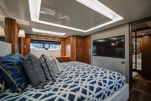 Sunseeker 86 Yacht image