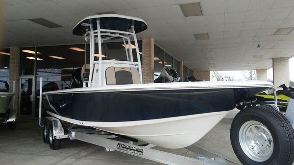 Tidewater 2400 Bay Max