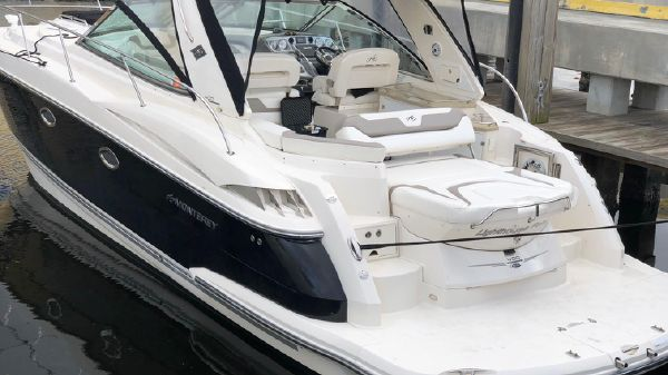 Monterey 400 Sport Yacht