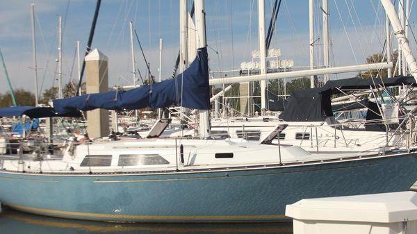 C&C Fiberglass  1985 C&C 37 - Atlas Yacht Sales