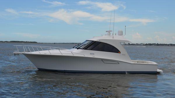 Cabo Yachts 40 Hardtop Express