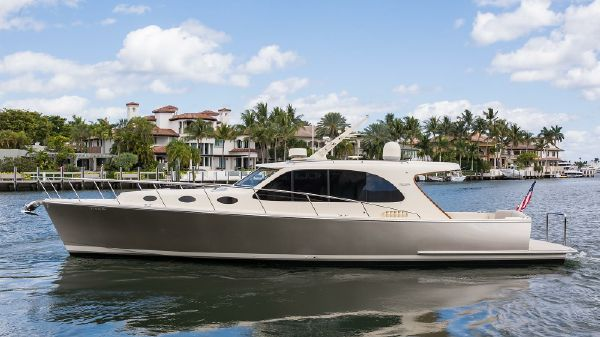 Palm Beach Motor Yachts PB42