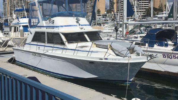 Uniflite Motor Yacht