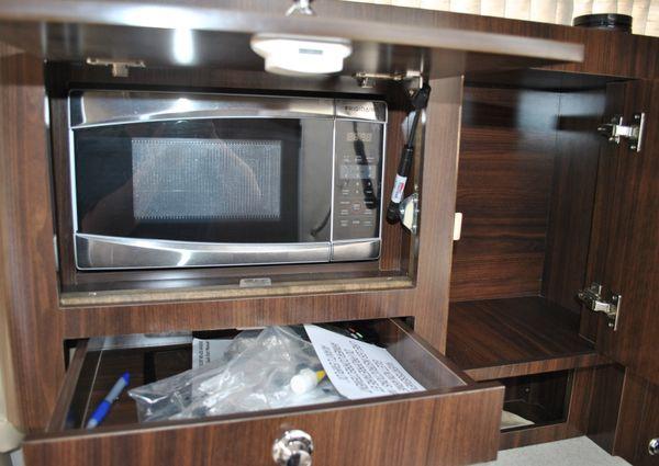 Regal 30 Window Express image