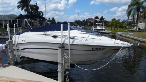 Chaparral 240 SIGNATURE On Lift Starboard Side