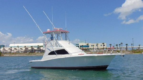 Luhrs 380 Convertible