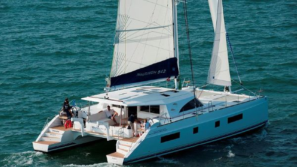 Bavaria Nautitech Catamaran 542
