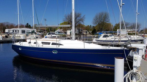 Jeanneau Sun Odyssey 37 At dock