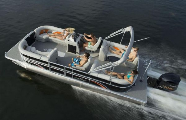 2017 SunChaser Classic Cruise 8524 Lounger DH Sport